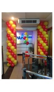 Столбы из воздушных шаров